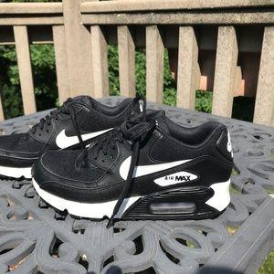 Nike Air Max 90 Ultra 2.0 Womens Running Shoes